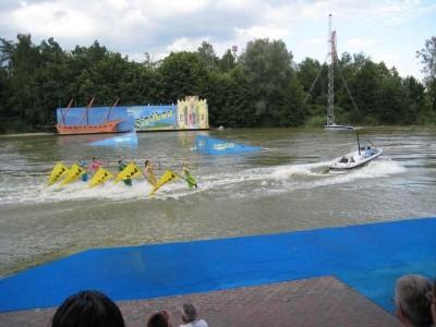 Wasserski Stunt Show
